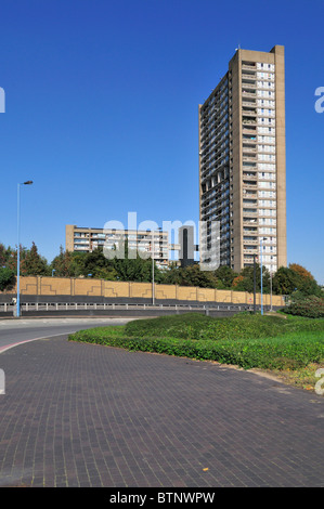 Balfron Tower, Brownfield social housing estate, Poplar, Tower Hamlets, East London E14, United Kingdom - Stock Photo