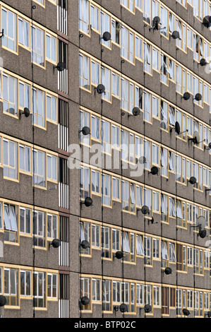 London Borough of Southwark Council flats at Elephant & Castle on the  Heygate Estate - Stock Photo