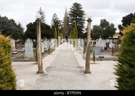 Australia, South Australia, Barossa Valley, Tanunda, Church and cemetery - Stock Photo
