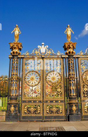 Built by Coalbrookdale Company, Ironbridge as a gift to Royalty, they were rejected and the gates were gifted to - Stock Photo