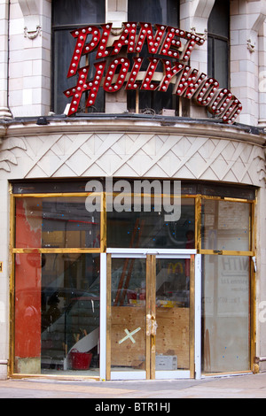 Despite occupying a prime corner location near Leicester Square the former site of Planet Hollywood remains empty - Stock Photo