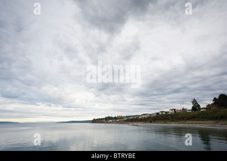 Brackett's Landing - Edmonds, Washington. Mount Baker in the distance. - Stock Photo