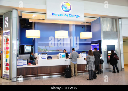 airport money exchange kiosk stock photo royalty free image 35694877 alamy. Black Bedroom Furniture Sets. Home Design Ideas