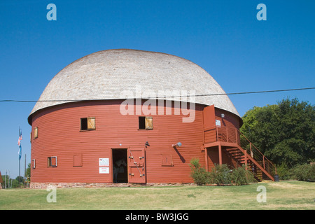 the round barn arcadia on route 66 - Stock Photo