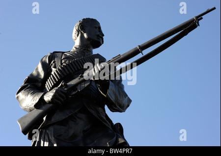 sculpture scottish scotalnd soldier highlander stirling - Stock Photo