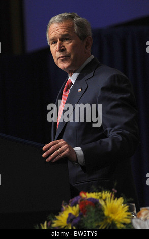 US President George W. Bush Speaks to the Economic Club of New York - Stock Photo