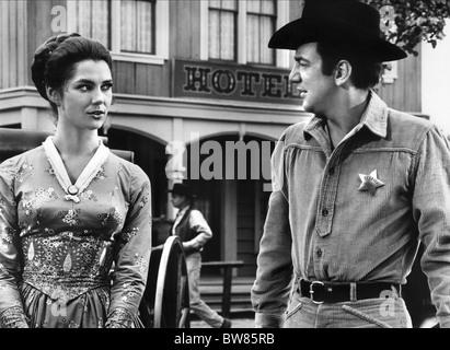 EMILY BANKS, BOBBY DARIN, GUNFIGHT IN ABILENE, 1967 - Stock Photo