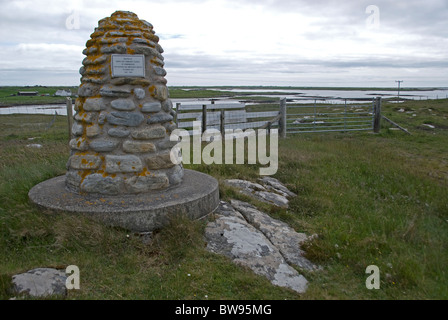 Memorial commemorating the Scottish Air Ambulance Service to the Island. North Uist, Hebrides. Scotland. SCO 6495 - Stock Photo