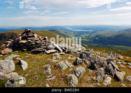 Cairn between Ill Bell and Yoke near Kentmere in the Lake District National Park, Cumbria, England. - Stock Photo
