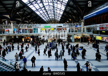 Liverpool Street Station concourse, London, England, UK - Stock Photo