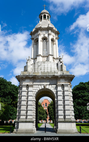 Ireland, County Dublin, Dublin City, Trinity College university the Campanile in Parliament Square. - Stock Photo