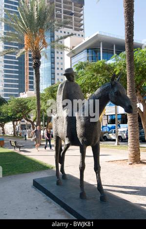 Israel, Tel Aviv, Rothschild Boulevard, Dizengoff Riding His Mare sculpture - Stock Photo