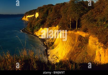 Europe, Germany, Mecklenburg-Western Pommerania, Ruegen, chalk cliffs at Jasmund National Park - Stock Photo