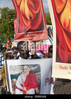 Catholics March in Hyde Park during Papal visit to London September 2010 - Stock Photo