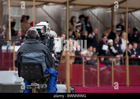 TV Cameraman covering the Lord Mayor's show 2010, London. UK - Stock Photo