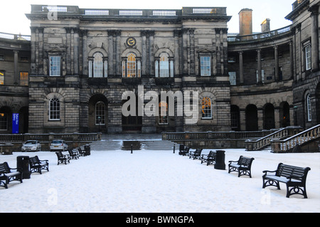 Law Faculty Old College Edinburgh university Winter Snow Blue Sky - Stock Photo