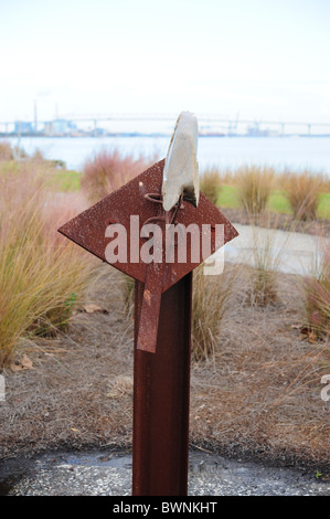 Sculpture symbolic of hope and despair - Stock Photo