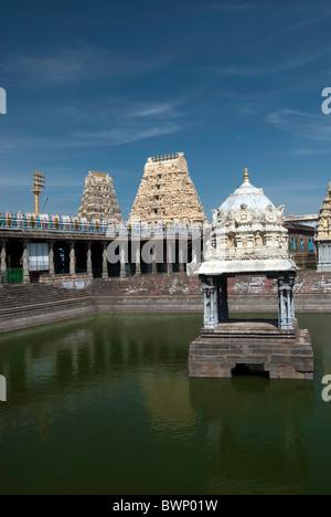 The Sri Ekambaranathar Temple with tank ;represents the Prithvi (Earth) Linga,Shiva;Saivite; kanchipuram. - Stock Photo