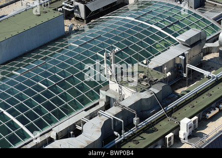 Modern Glass Roof With Air Conditioning And Ventilation