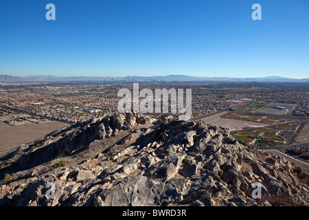Desert housing sprawl halts as resale prices drop to 1996 levels. Shot from Lone Mtn Peak on November 26, 2010, - Stock Photo