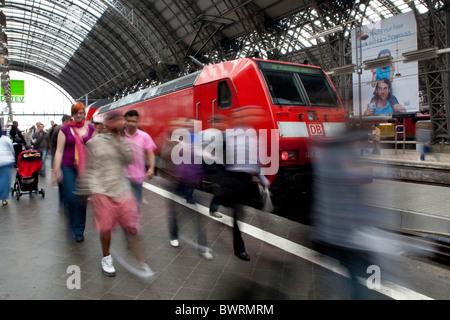 Passengers on their way to the train, Frankfurt Central Station, Frankfurt am Main, Hesse, Germany, Europe - Stock Photo