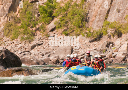 USA, People, Rafting the Middle Fork of the salmon river. Frank Church Wilderness. - Stock Photo