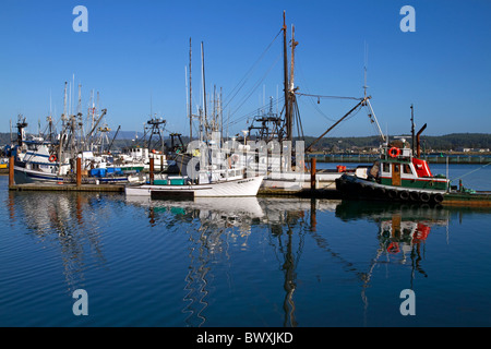 Newport oregon usa fishing boats in harbor on oregon for Oregon free fishing