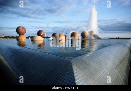 Algarve well Faro Fontane balls sphere modern Portugal water jets of water - Stock Photo