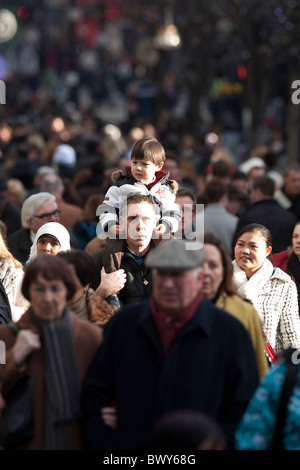 Shoppers during December sales on Oxford Street London. Photo:Jeff Gilbert - Stock Photo