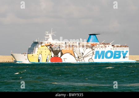 ferry ferries boat boats cross channel car - Stock Photo
