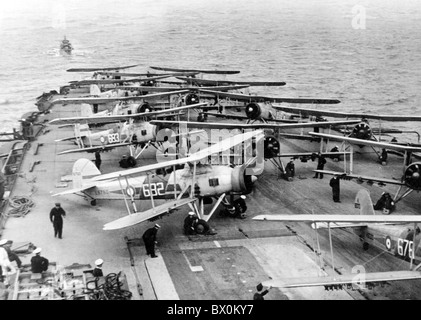 SWORDFISH AIRCRAFT aboard HMS Illustrious about 1938 - Stock Photo