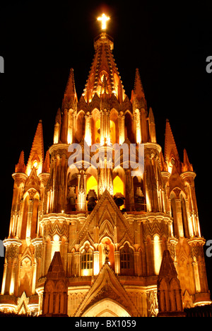 Steeple of the Parroquia de San Miguel Acangel parish church at night, San Miguel de Allende, Mexico. - Stock Photo