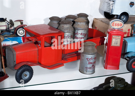 Tri-ang tin plate Milk Lorry model with milk churns, produced by the Lines Brothers in the 1950's - Stock Photo