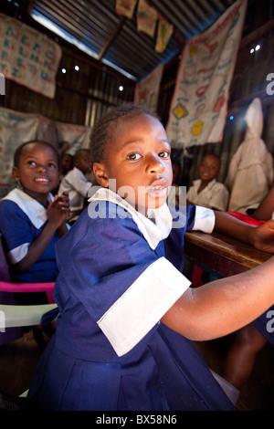 Classroom in Maji Mazuri School in the Mathare slums, Nairobi, Kenya - Stock Photo