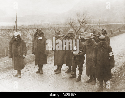 events, First World War / WWI, Western Front, France, wounded French soldiers, captured by the Germans, circa 1916, - Stock Photo