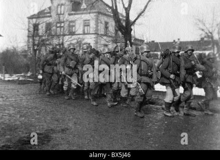 events, First World War / WWI, Western Front, German soldiers on the march, circa 1916/1917, Additional-Rights-Clearences - Stock Photo