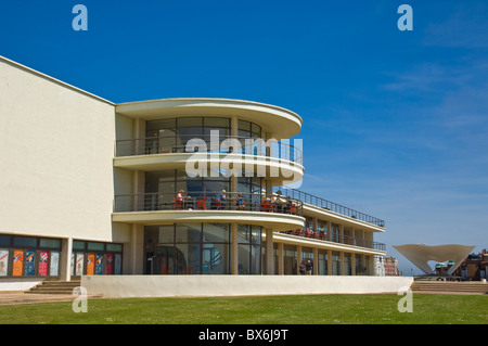 Outdoor stage for performances and exterior architecture, the De La Warr Pavilion, Bexhill on Sea, East Sussex, - Stock Photo