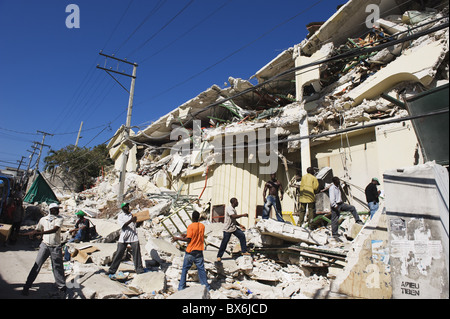 Stock being removed from The Caribbean Market, January 2010 earthquake damage, Port au Prince, Haiti, West Indies - Stock Photo