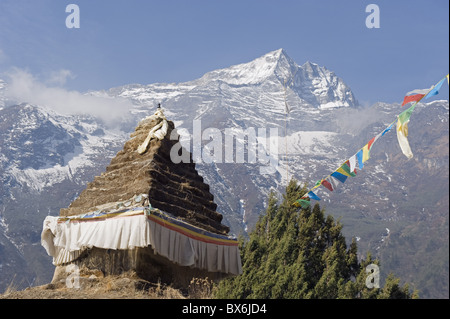 Chorten, Solu Khumbu Everest Region, Sagarmatha National Park, Nepal, Asia - Stock Photo