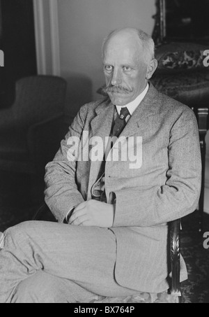 Portrait photo circa 1920s of Norwegian Arctic explorer, scientist, diplomat and humanitarian Fridtjof Nansen (1861 - Stock Photo