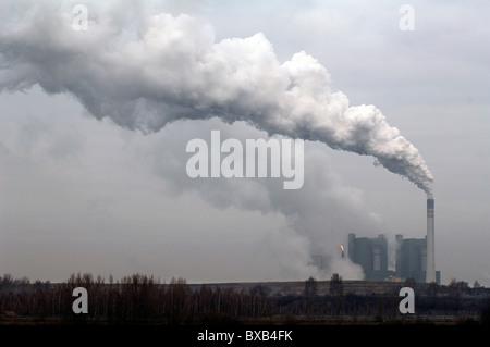 Smoking chimney of the Kraftwerk Schkopau power plant, An der Bober 100, Schkopau, Saxony-Anhalt, Germany, Europe - Stock Photo