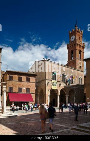 Piazza Pio 11 Pienza Tuscany Italy - Stock Photo