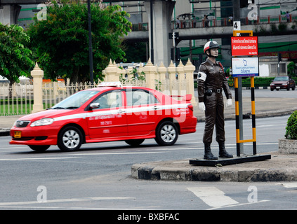 Dummy of a police officer, Bangkok, Thailand, Asia