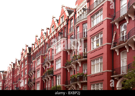 Row of houses with brick buildings, Victorian style, in London, England, United Kingdom, Europe - Stock Photo