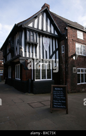 One of the oldest pubs in England 'Ye Royal Oak' Pub The Shambles Chesterfield in Derbyshire East Midlands England - Stock Photo