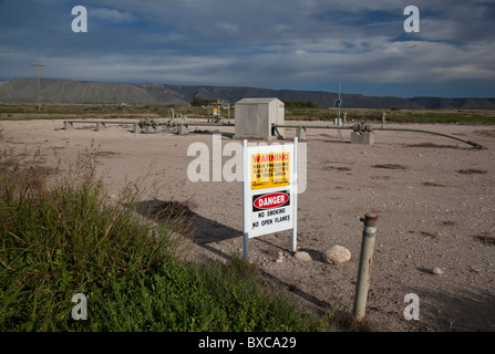 Carlsbad, New Mexico - Natural gas production near Carlsbad Caverns National Park. - Stock Photo