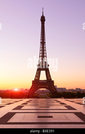 Europe, France, paris (75), Esplanade du Trocadero and Eiffel Tower - Stock Photo