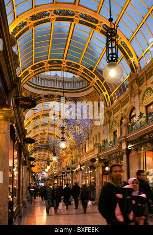 UK, England, Yorkshire, Leeds, Victoria Quarter, County Arcade decorated at Christmas - Stock Photo