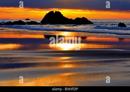 Portugal, Algarve: Sundown at a beach of nature park Costa Vicentina