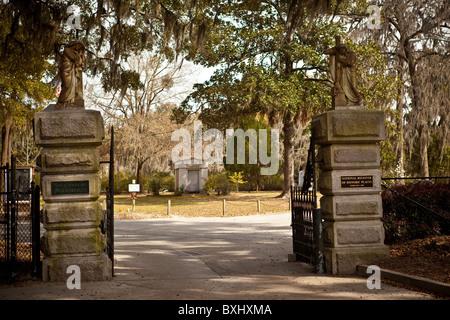 Gate to historic Bonaventure Cemetery in Savannah, Georgia, USA. - Stock Photo